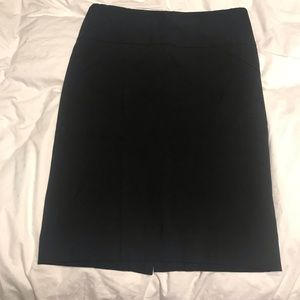 The Limited exact stretch pencil skirt - size 2